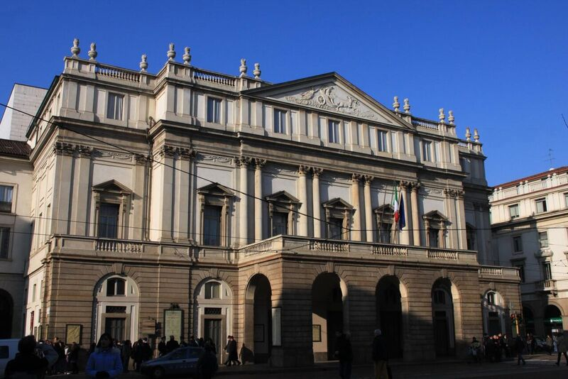 World in my eyes - La Scala - Creative Commons