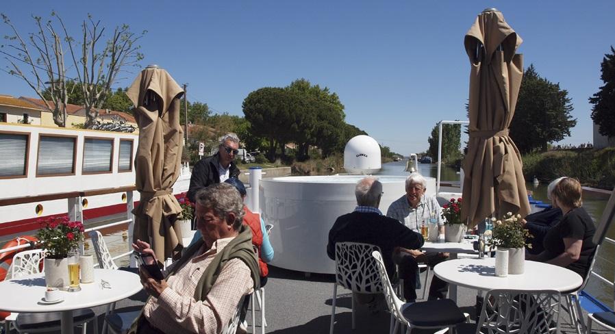 Recorrer los canales de Francia en una barcaza exclusiva