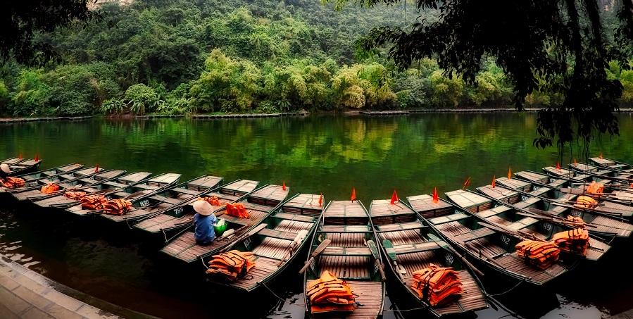 La belleza de Halong en el mar... o en medio de los arrozales